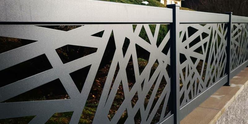 Clôtures décoratives personnalisées en aluminium